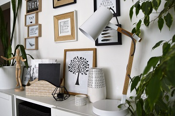 Living room remodelling white shelf with lamp