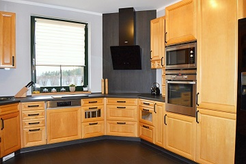 kitchen remodelling black worktop